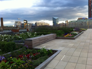 Stunning views from the rooftop #londonlife